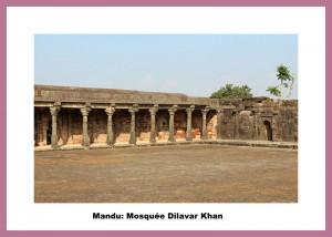 mandu Dilawar_Khan's_Mosque_01
